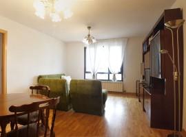 Piso de 3 Dormitorios en Camino de los Hoyos 10, Bajo A Ref.10862