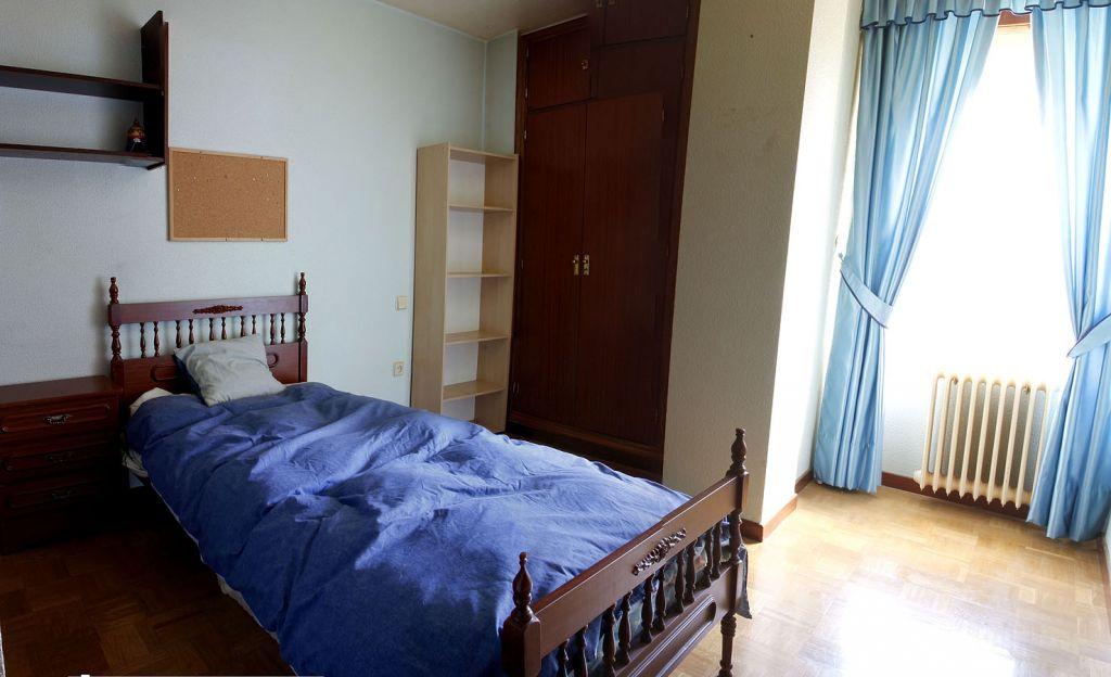 Piso De 3 Dormitorios Y Dos Baños En Zona De Carrefour Ref:12151